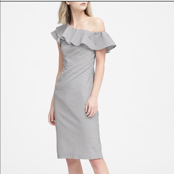 14cdb74658f6 Banana Republic One Shoulder Seersucker Dress